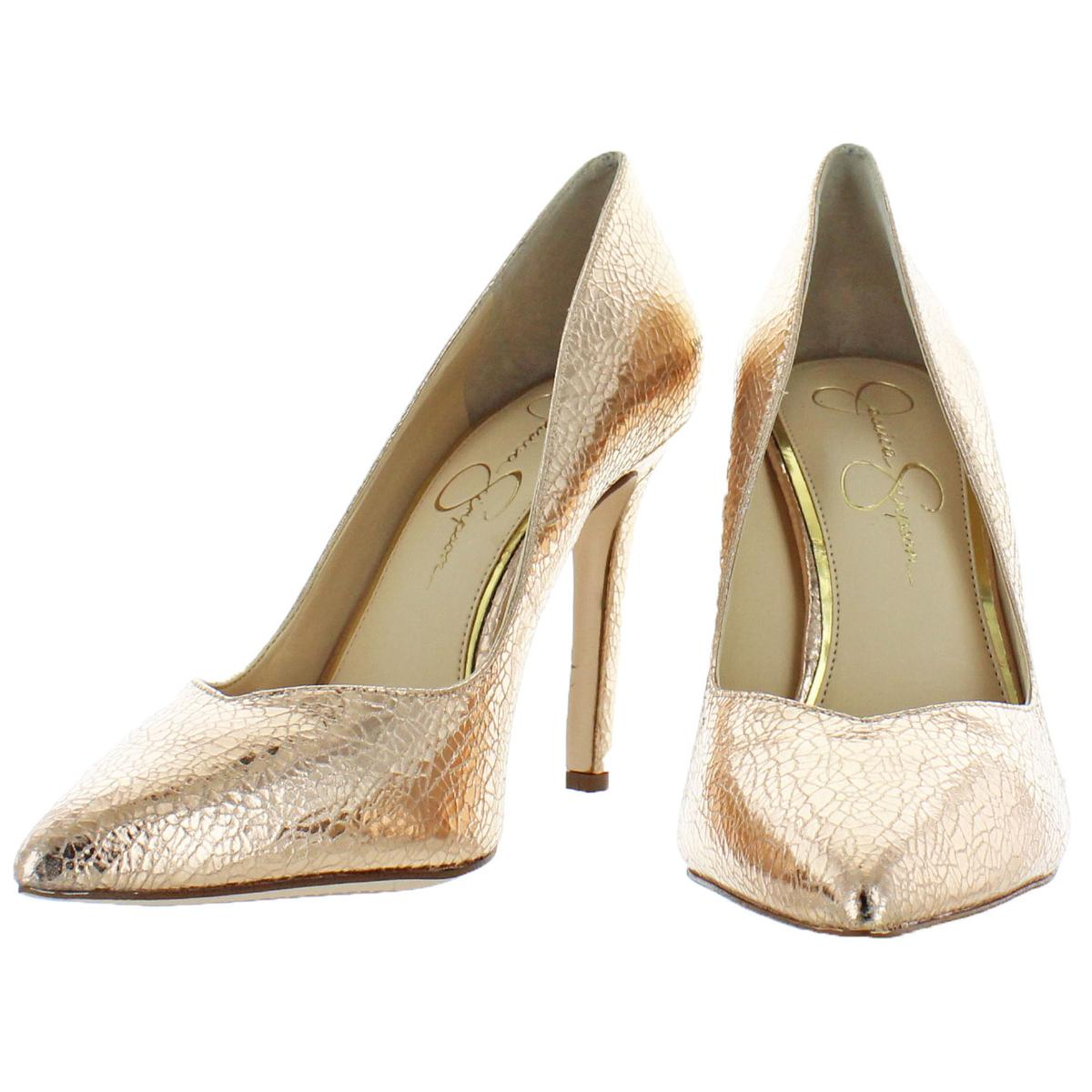 Jessica-Simpson-Women-039-s-Cylvie-Metallic-V-Cut-Classic-Pumps-Heels-Shoes thumbnail 4
