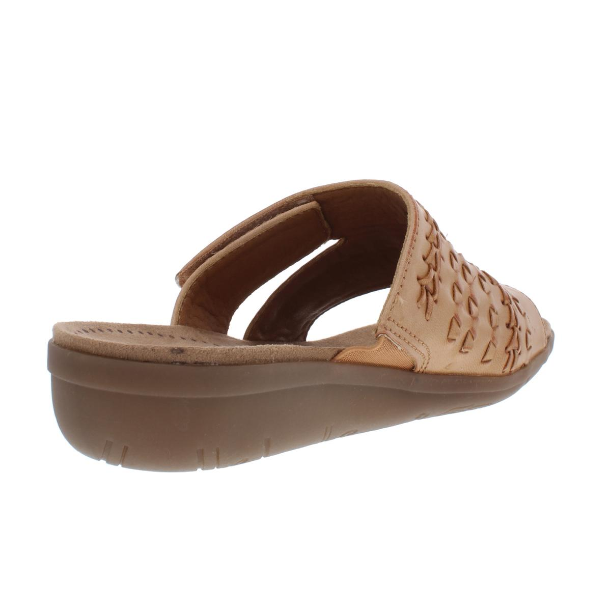 Baretraps-Womens-Jeaney-Faux-Leather-Slip-On-Wedge-Sandals-Shoes-BHFO-7499 thumbnail 4