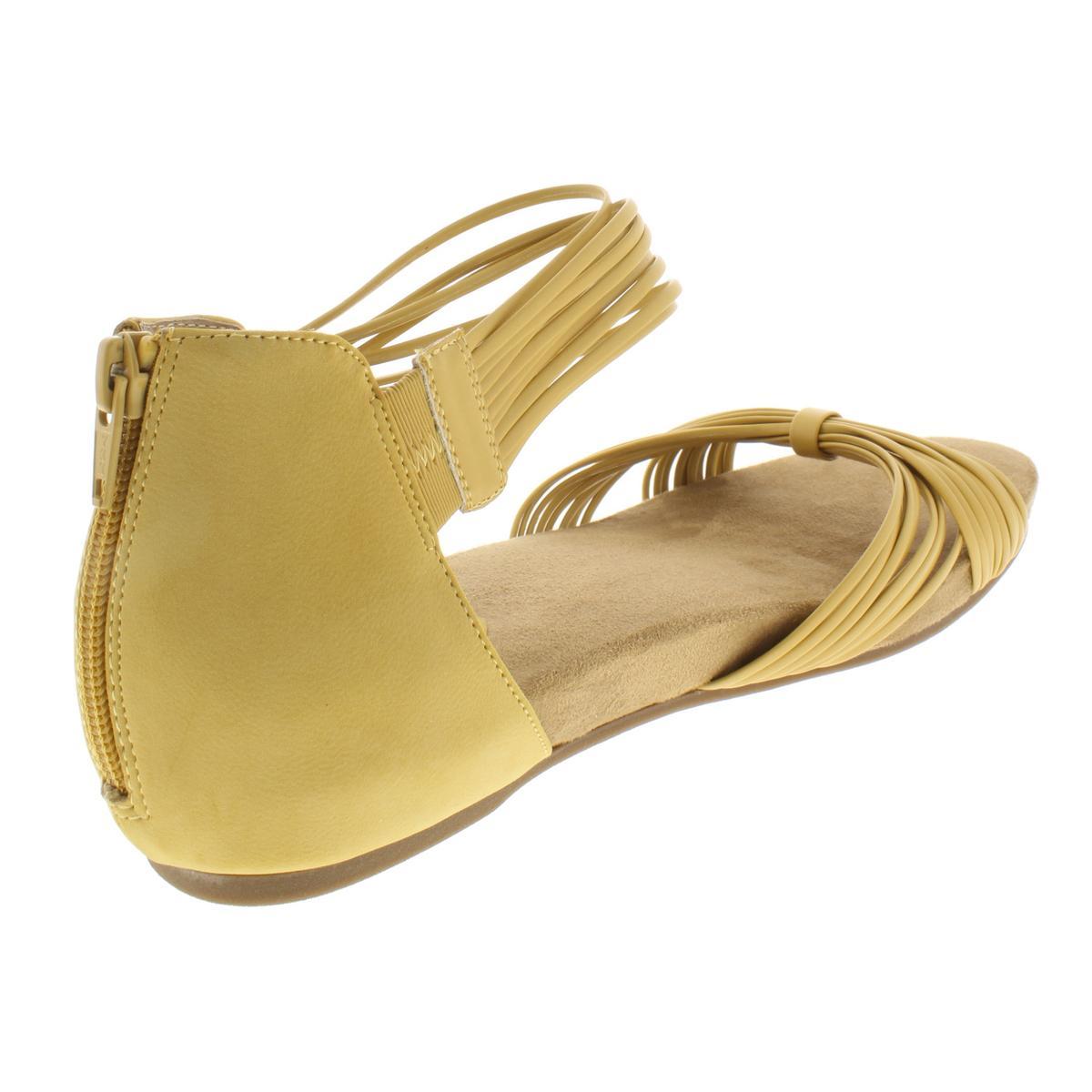 Giani-Bernini-Womens-Jhene-Strappy-Criss-Cross-Sandals-Shoes-Flats-BHFO-9685 thumbnail 7